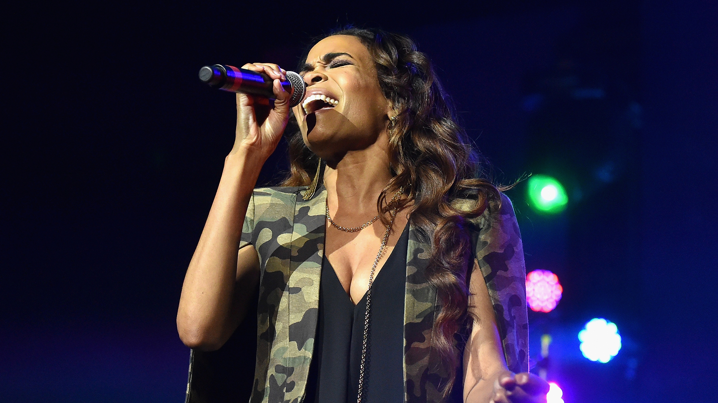 Singer Michelle Williams performs onstage at the 2016 ESSENCE Festival Presented By Coca-Cola at Ernest N. Morial Convention Center on July 1, 2016 in New Orleans, Louisiana. (Photo by Paras Griffin/Getty Images for 2016 Essence Festival)