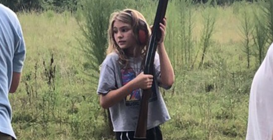 Pic-Of-Jamie-Lynn-Spears-10-Year-Old-Daughter-Maddie-Holding-A-Shotgun-Sparks-Backlash
