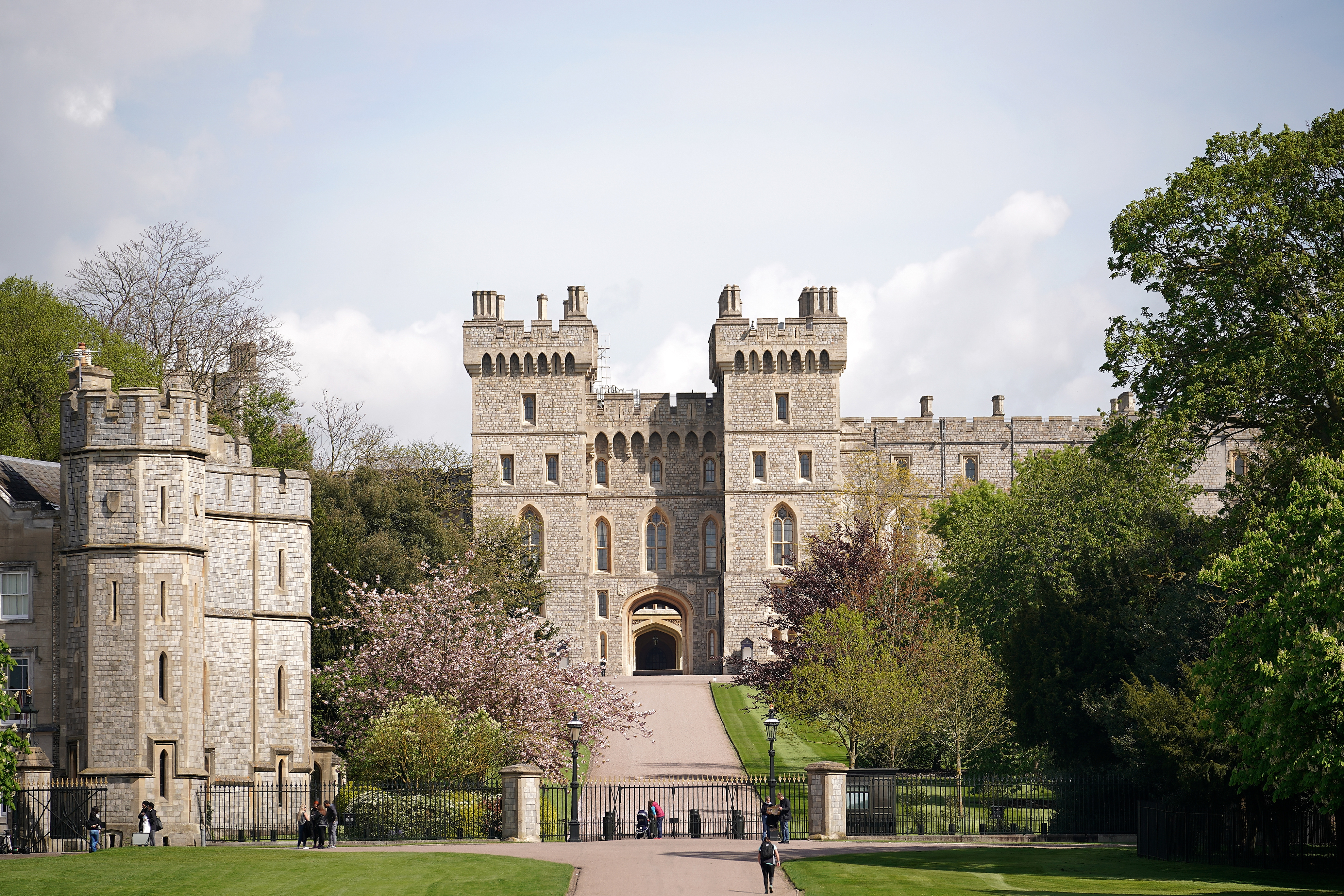 Security-For-Royal-Wedding-Will-Include-Observation-Towers-For-Sniper-Surveillance