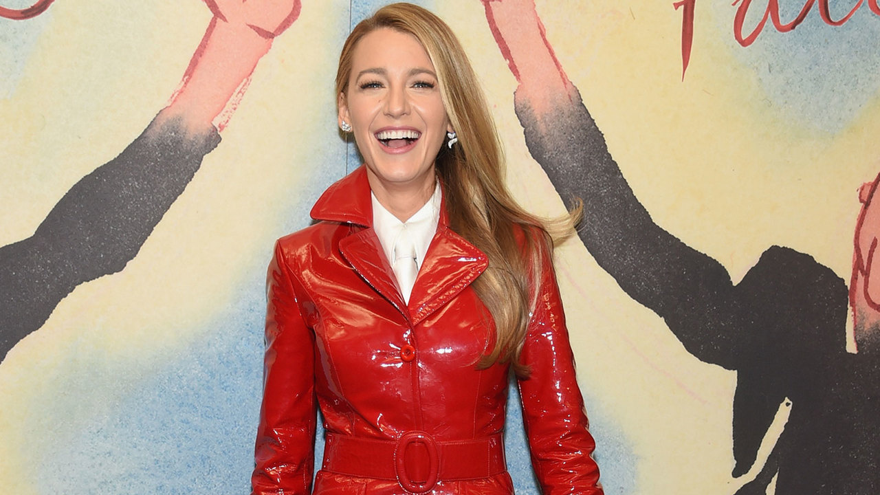 Blake-Lively-Is-Officially-BFFs-With-The-Crew-At-Sesame-Street
