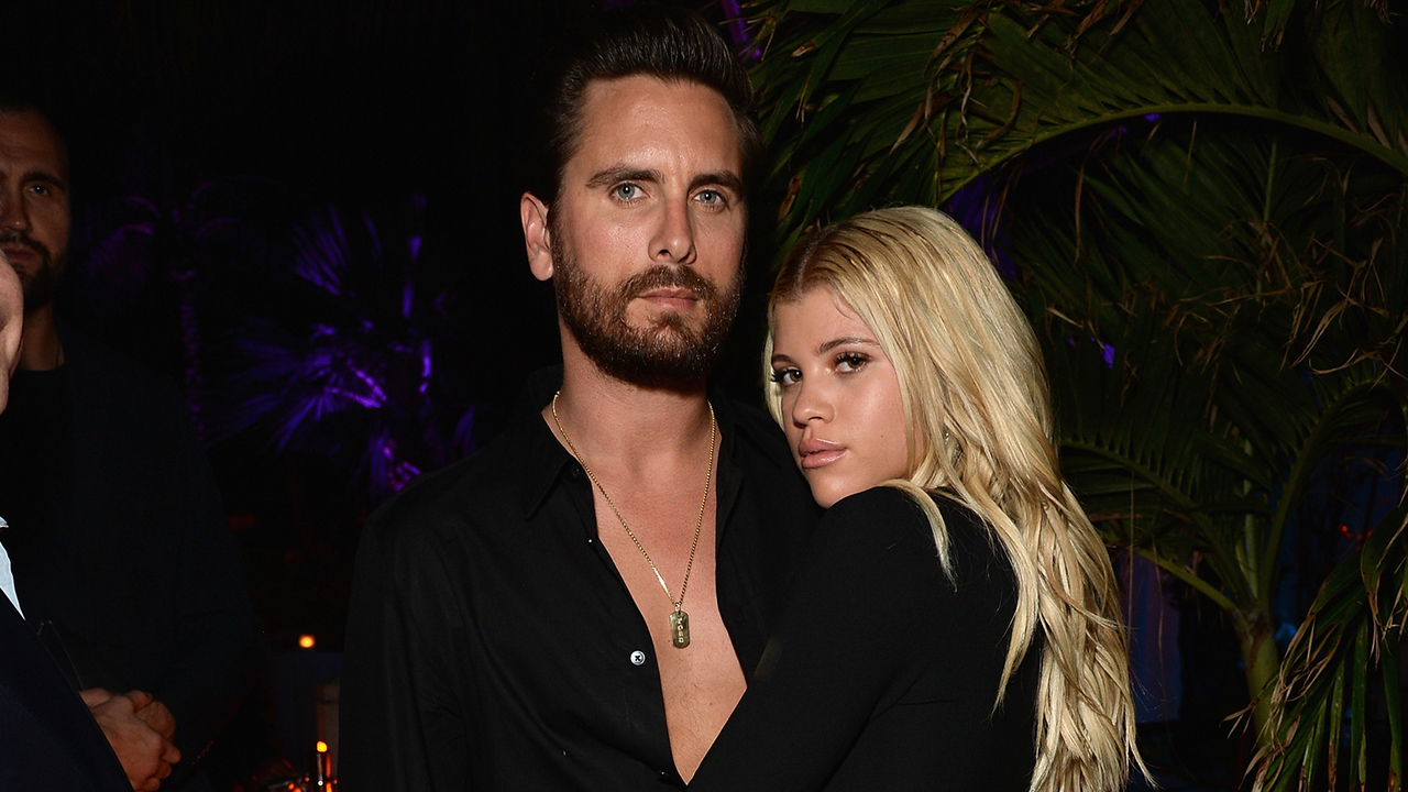 Sofia-Richie-Sends-Scott-Disick-Birthday-Message-With-Sexy-Beach-Snap-A-Huge-Kiss