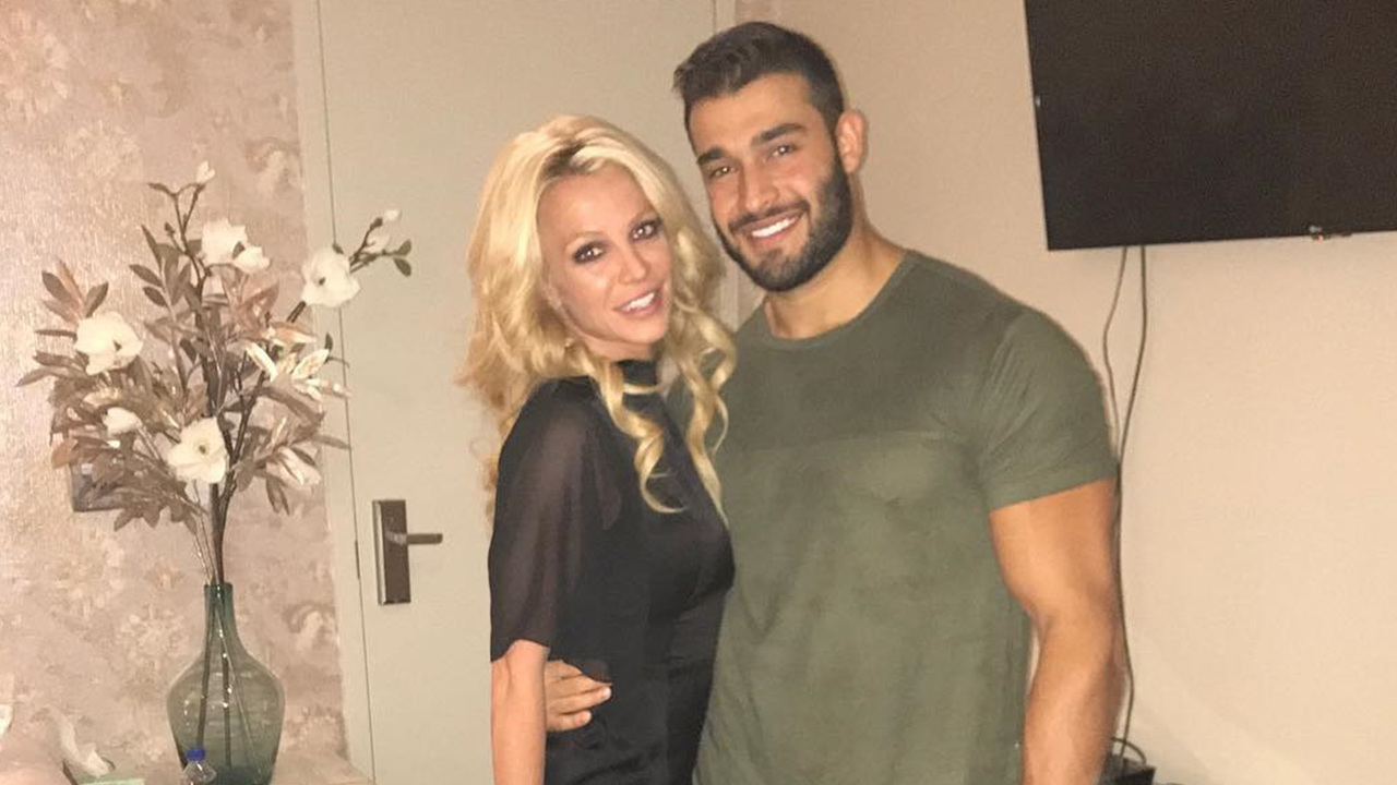 Britney-Spears-Is-Showing-Off-Her-Love-For-Boyfriend-Sam-Asghari