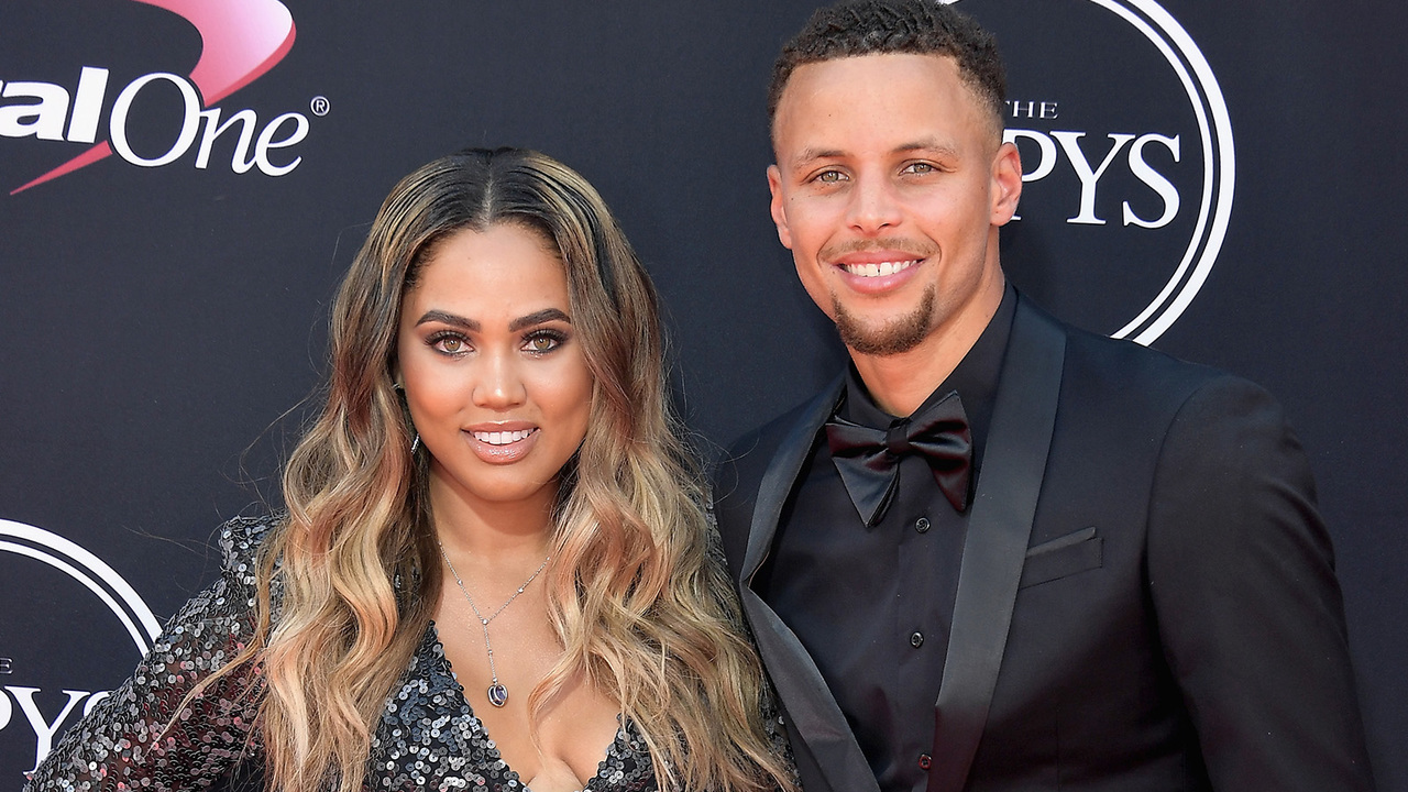 3c5fea4cba85 Ayesha Curry Has A Strategy For Dealing With Women  Lurking  Around Her  Husband Stephen Curry