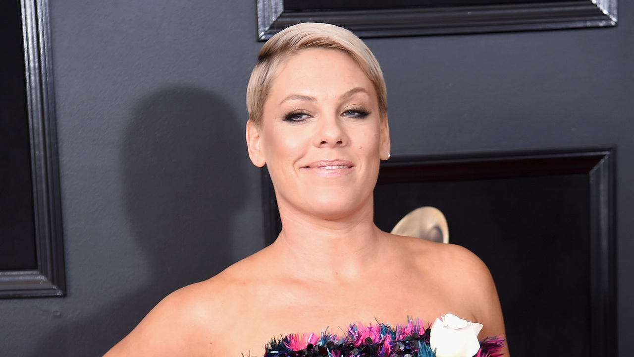 Pink-Puts-Twitter-Troll-In-Their-Place-After-They-Blasted-Her-Aging-Appearance