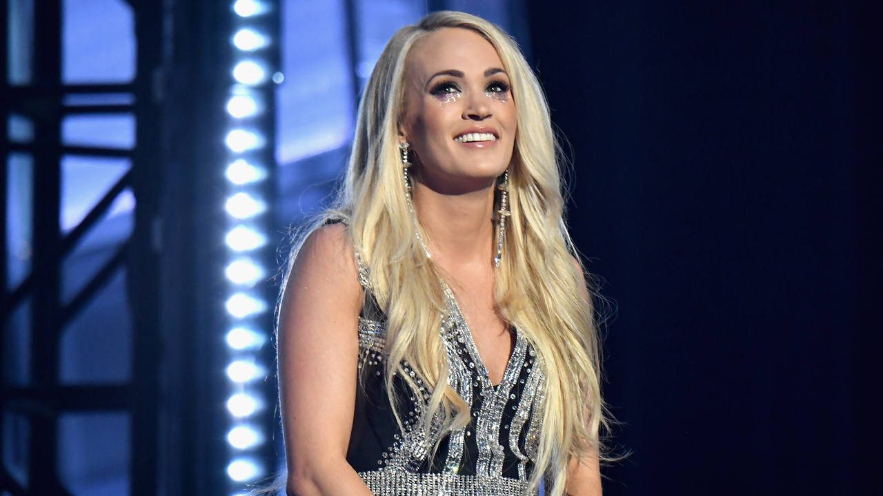 Carrie-Underwood-Will-Return-To-American-Idol-As-A-Guest-Mentor