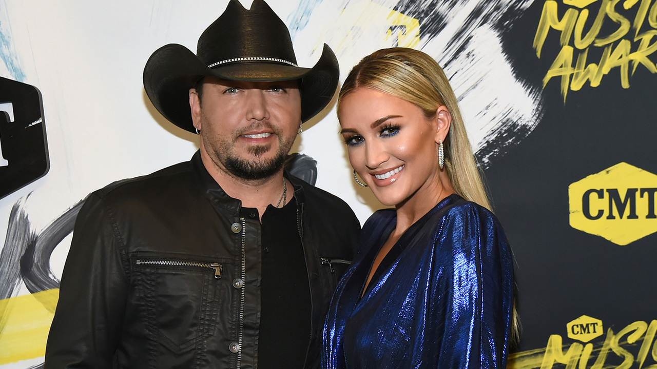 Jason-Aldean-Wife-Brittany-Their-Kiddos-Announce-A-Baby-Girl-Is-On-The-Way-With-The-Best-Gender-Reveal-Ever