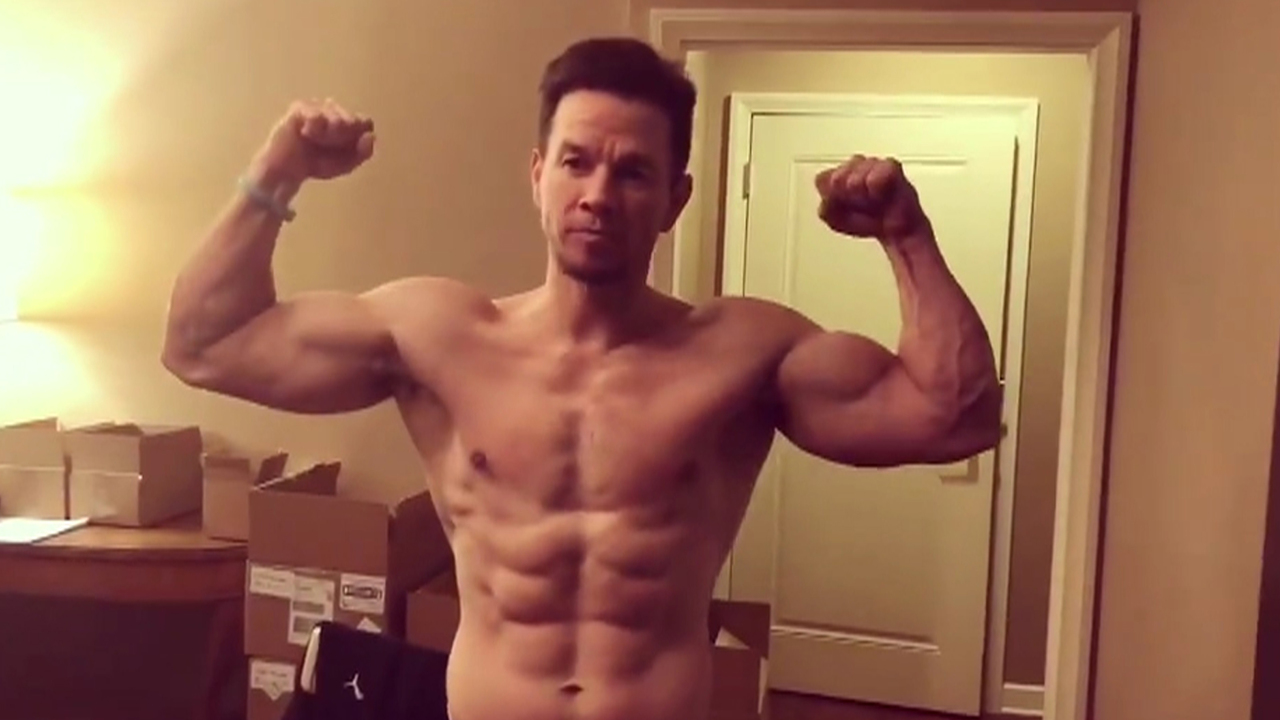 Mark-Wahlberg-Flashes-His-Super-Ripped-Abs-As-He-Celebrates-LeBron-James-Going-To-Los-Angeles