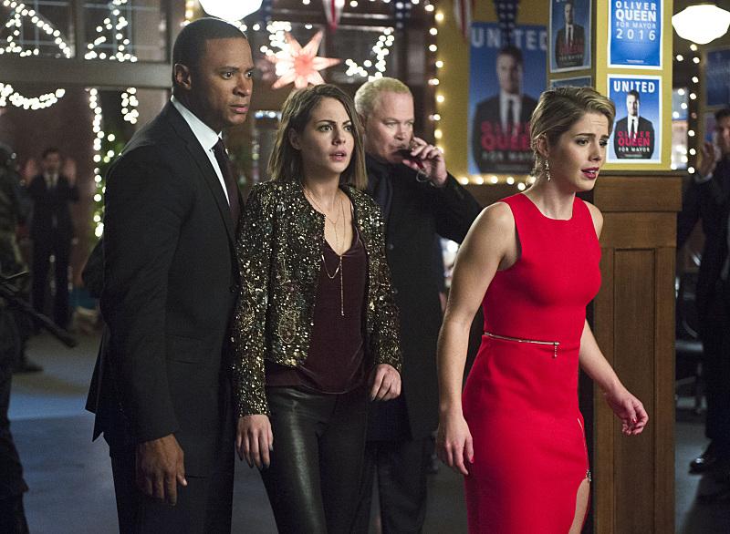 Arrow': Season 4, Episode 9 -- 'Dark Waters' | Access Online