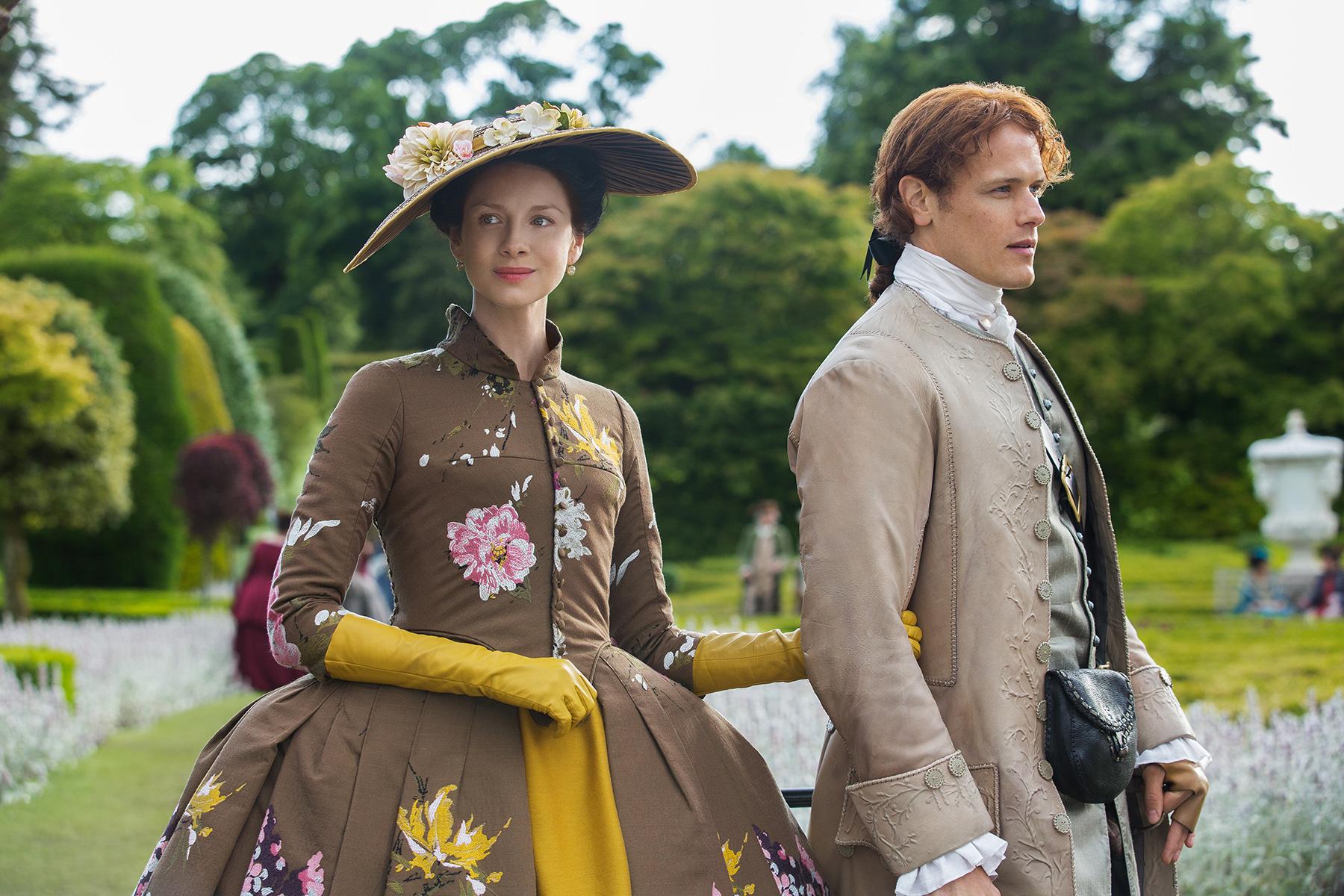 Caitriona-Balfe-as-Claire-Fraser-and-Sam-Heughan-as-Jamie-Fraser-in-Outlander-Season-2-Episode-5-Untimely-Resurrection