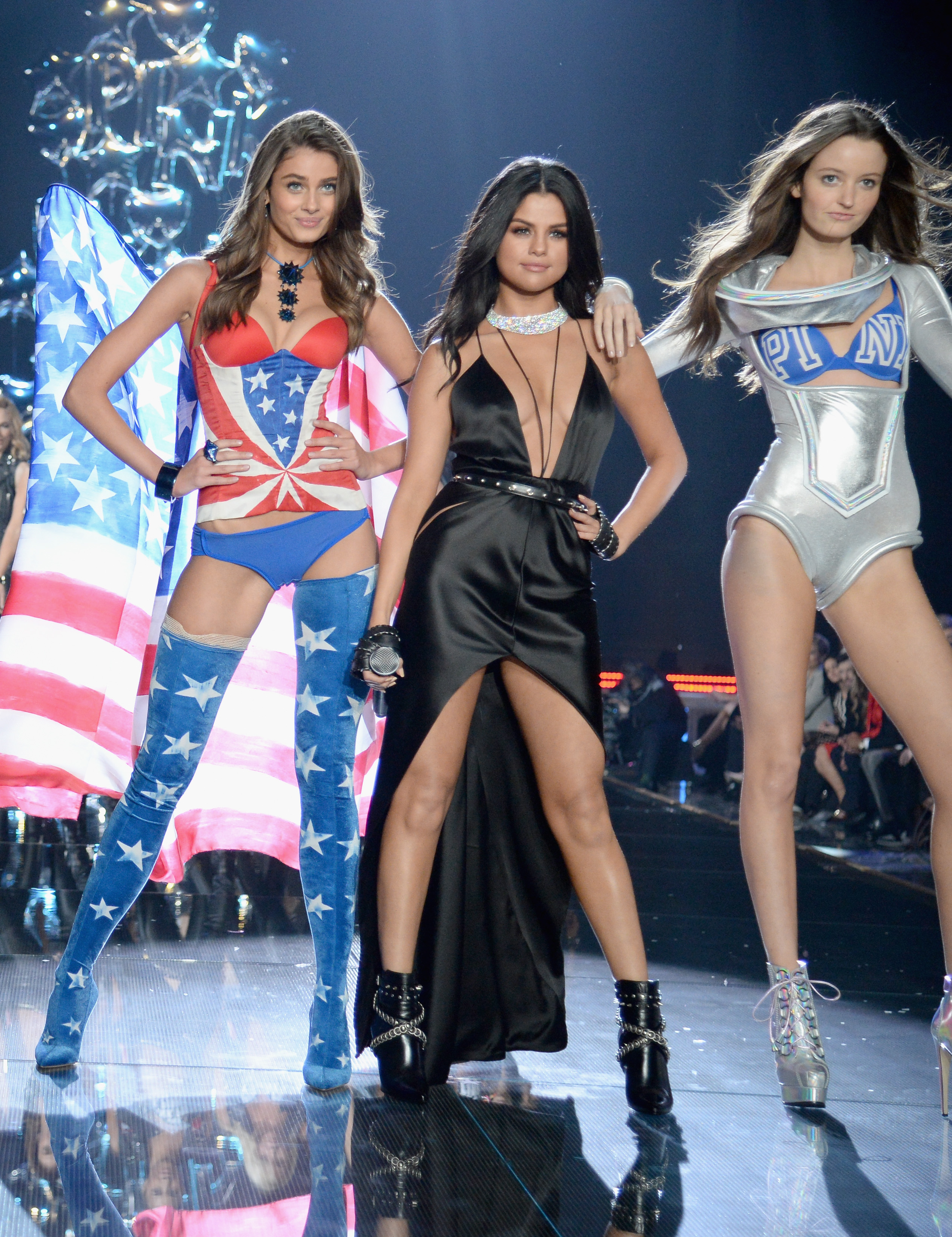e5b20b63b872f Selena Gomez Wows At Victoria's Secret Fashion In 3 Sexy Looks ...