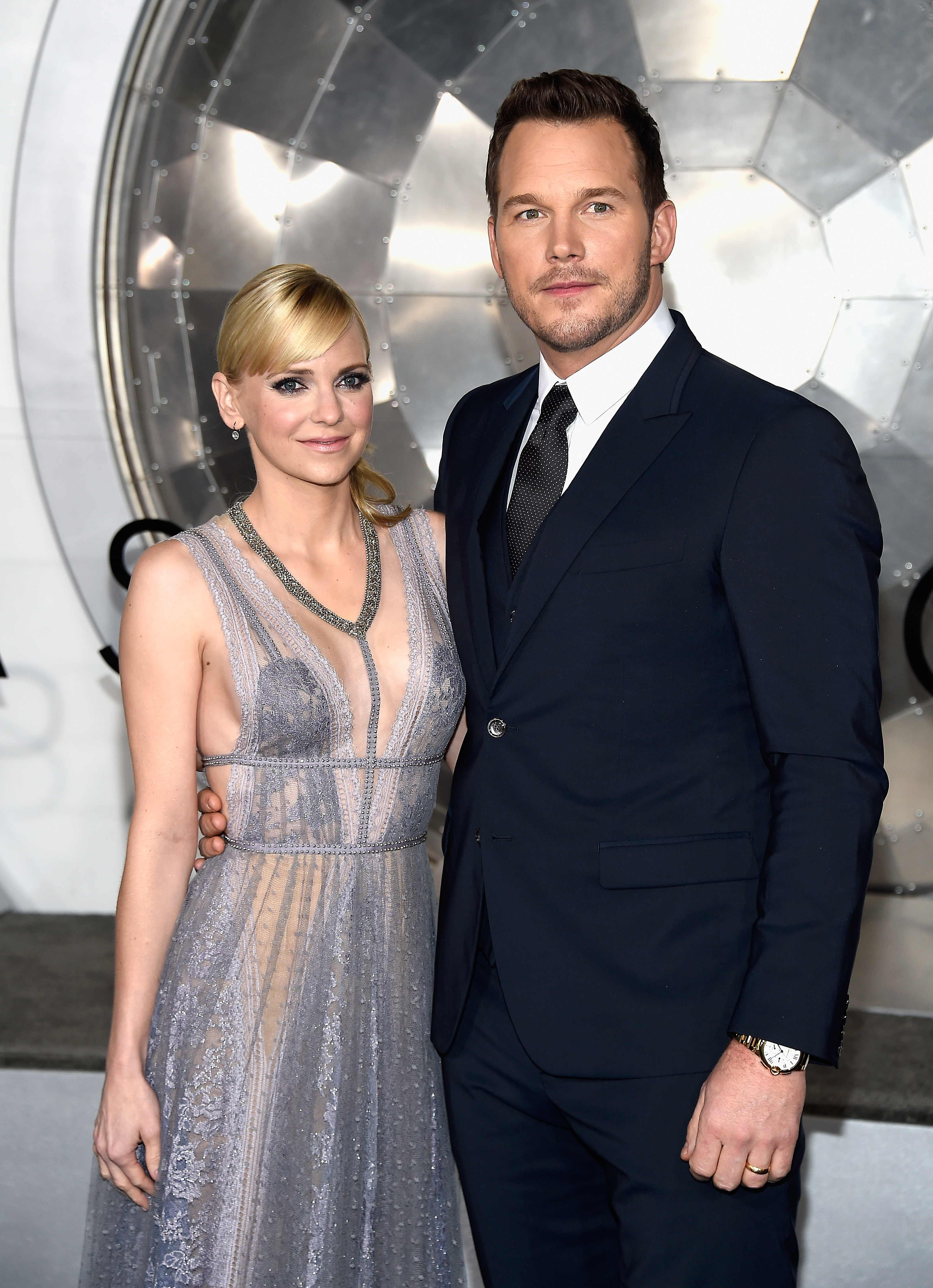 Anna Faris and Chris Pratt attend the premiere of Columbia Pictures' 'Passengers' at Regency Village Theatre on December 14, 2016 in Westwood, Calif.