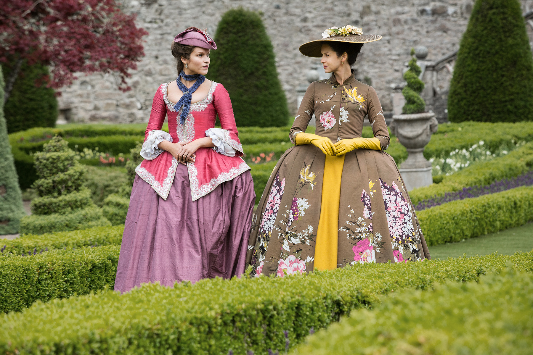 Outlander\u0027 Season 2 Terry Dresbach On The Costumes Of
