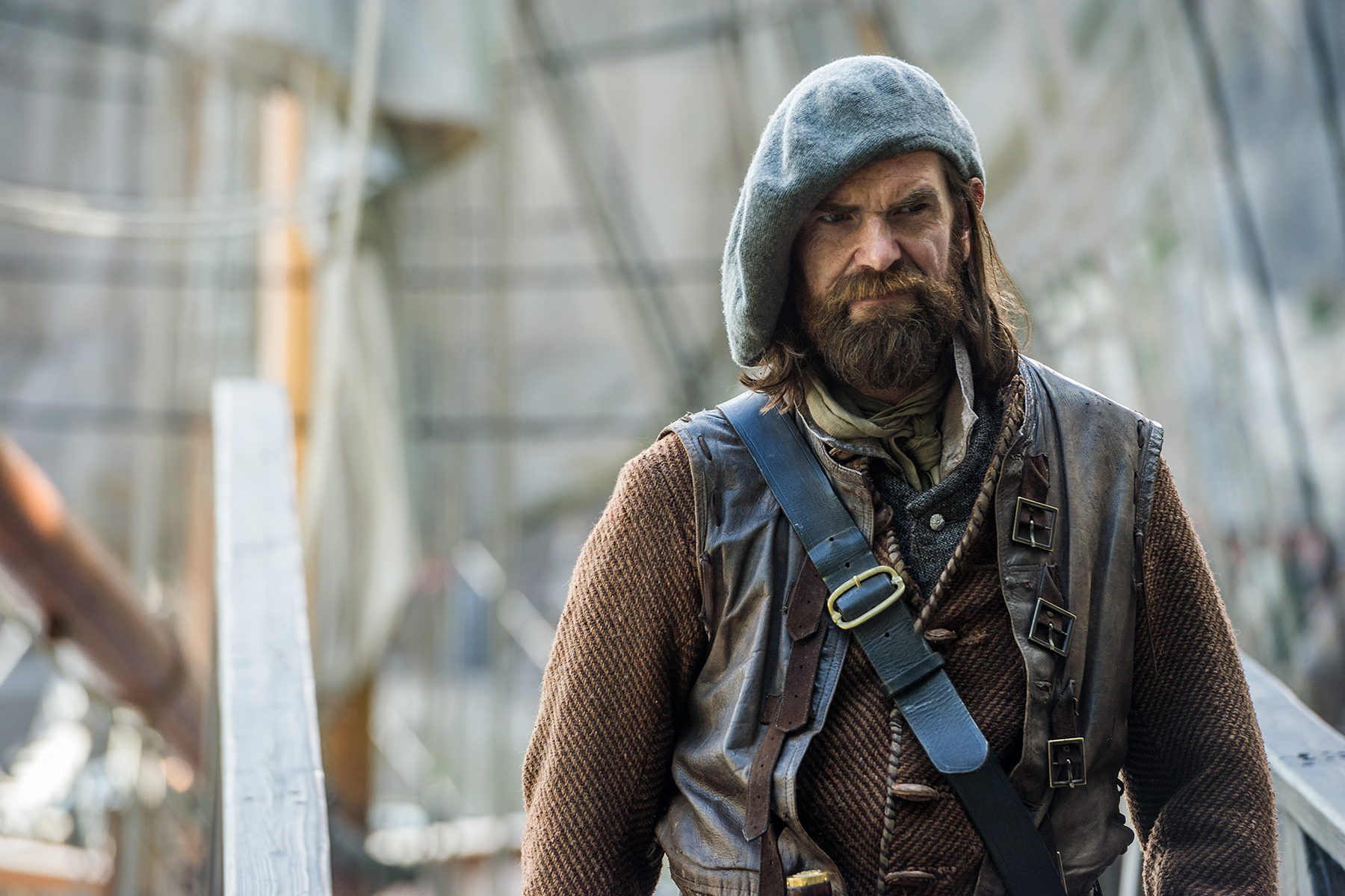Duncan Lacroix as Murtag in 'Outlander' Season 2, Episode 1 — 'Through A Glass, Darkly'