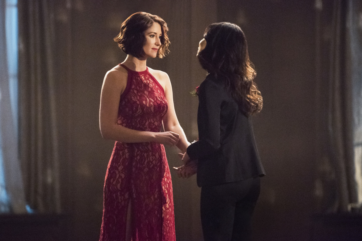 Supergirl': Scenes From Season 2, Episode 13 -- 'Mr  & Mrs